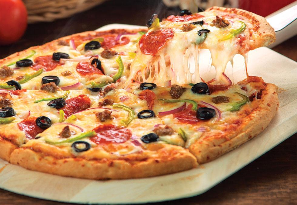 Pizza-noun  ˈpiːt.sə